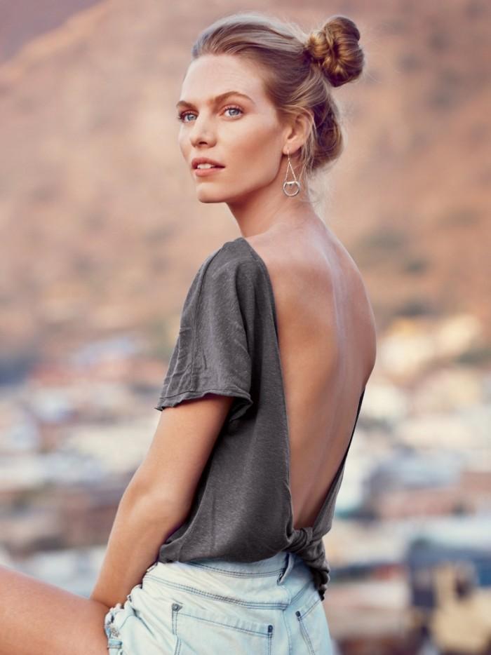 Coachella-Outfit-Inspiration-Summer-Music-Festival-Chics-1-700x934