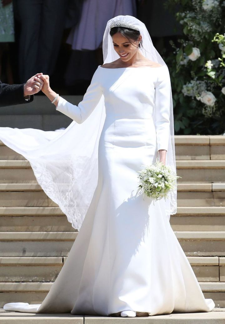 meghans-second-wedding-dress-and-car-is-about-as-hollywood-as-it-gets-2772949.800x0uc